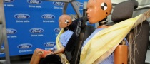 Ford Debuts Rear Inflatable Seat Belts