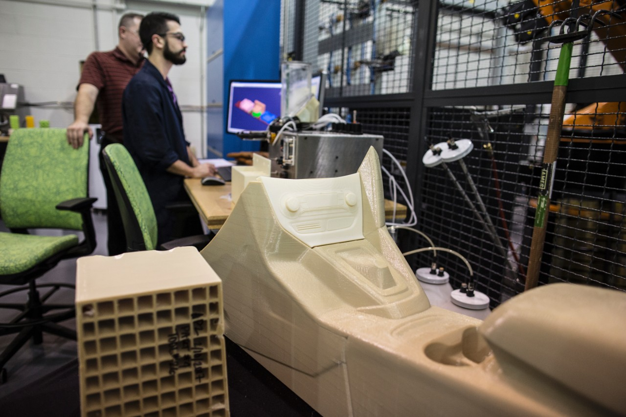 Ford Experiments With Large Scale 3D Printing, It Wants To ...