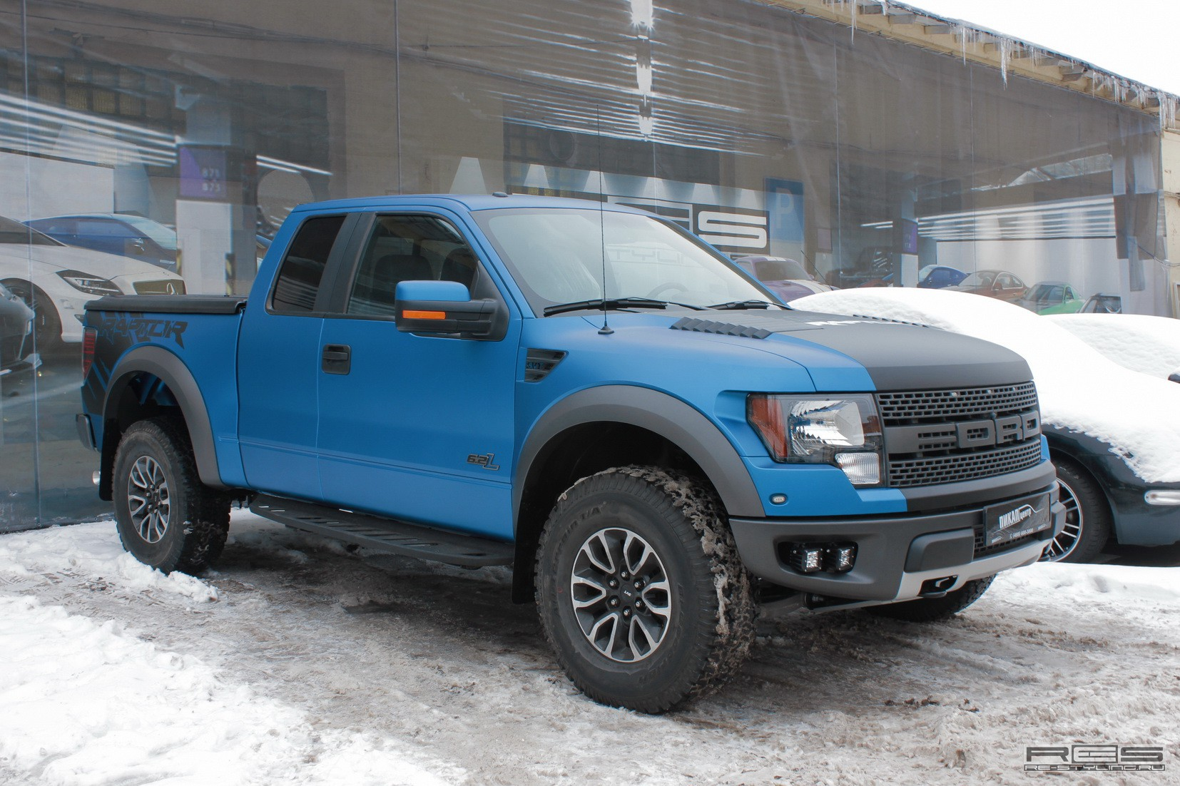 Lifted Ford F150 >> Ford F-150 SVT Raptor Matte Wrap by Re-Styling [Video ...