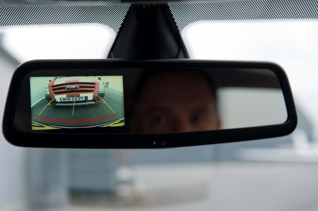 ford fiesta gets new rearview mirror mounted camera autoevolution. Black Bedroom Furniture Sets. Home Design Ideas