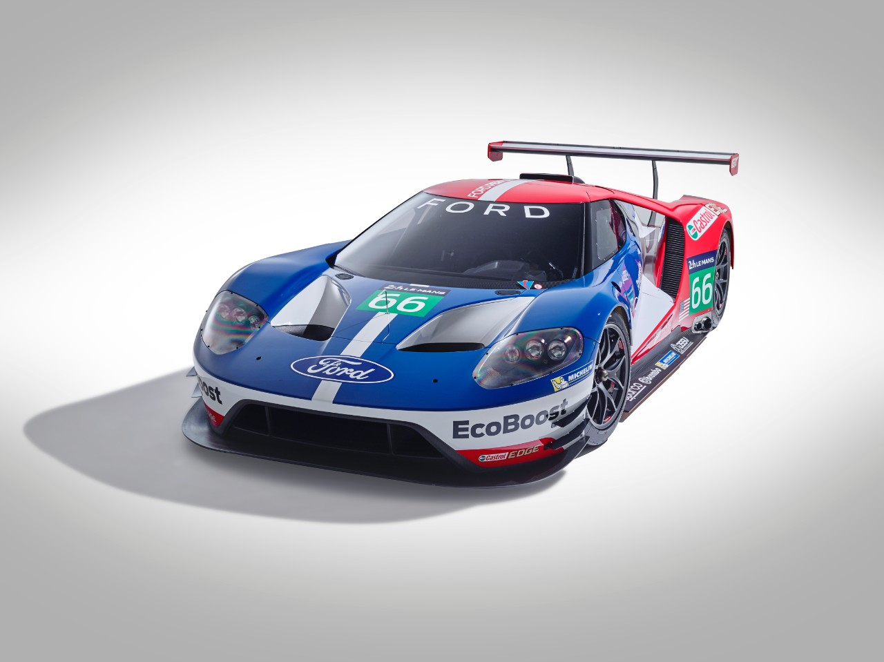 ford gt le mans racecar confirmed to debut at 2016 daytona 24 hours autoevolution. Black Bedroom Furniture Sets. Home Design Ideas