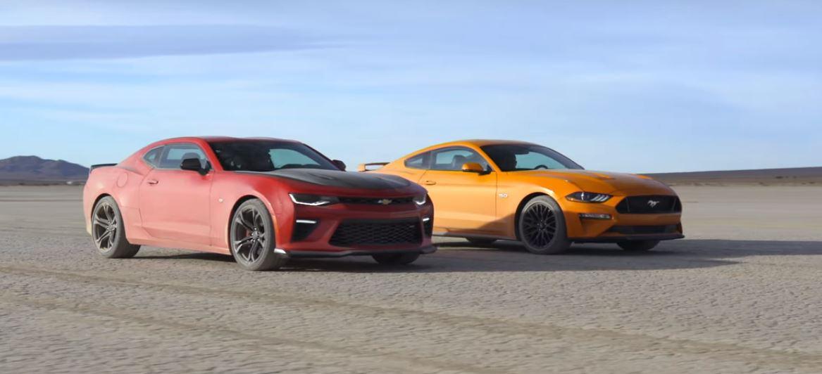 Camaro Vs Mustang >> Ford Mustang Gt Vs Chevrolet Camaro Ss 1le Desert Drag Race Is
