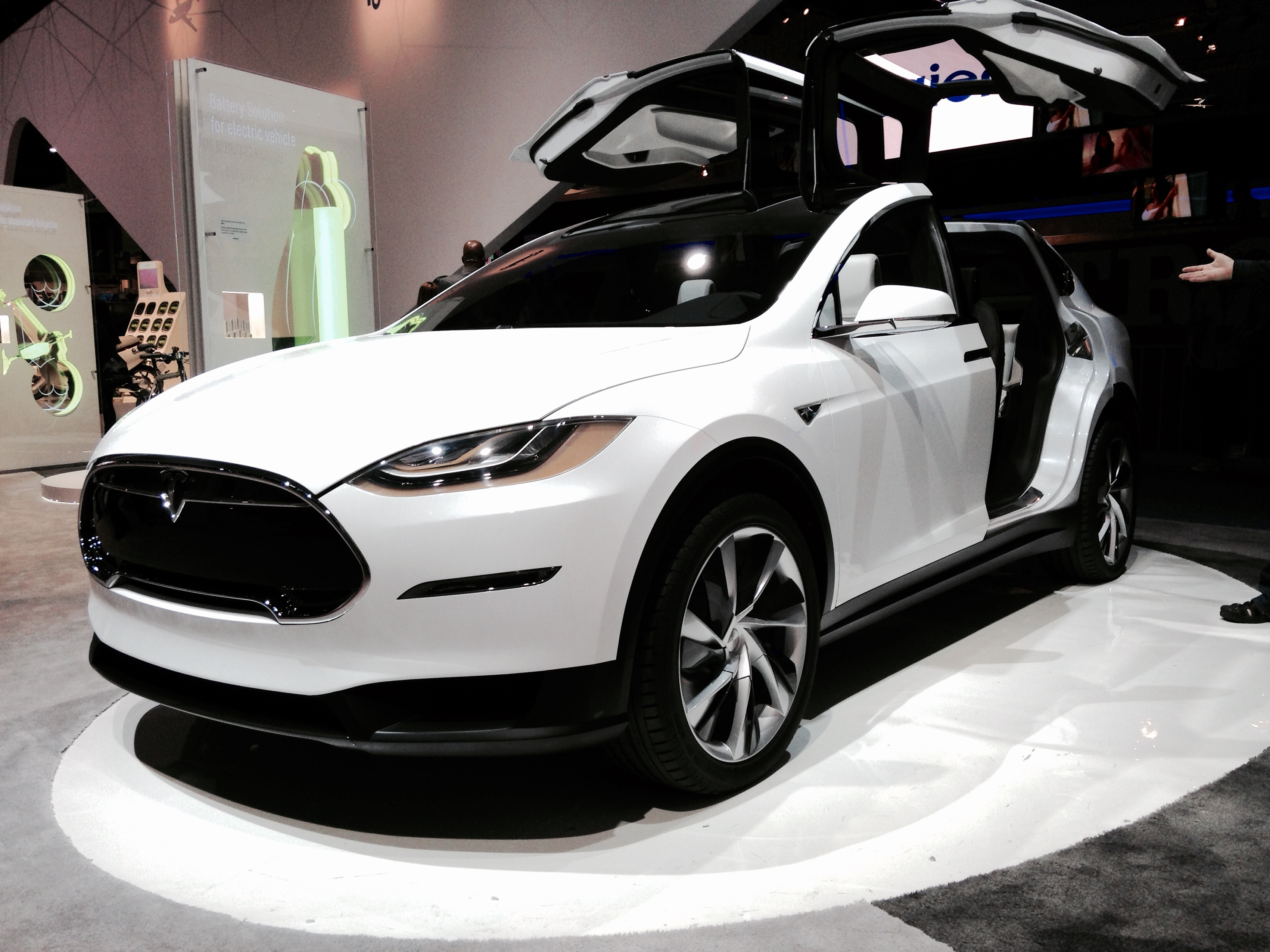 ford paid 200 000 for an early tesla model x founders series edition autoevolution. Black Bedroom Furniture Sets. Home Design Ideas