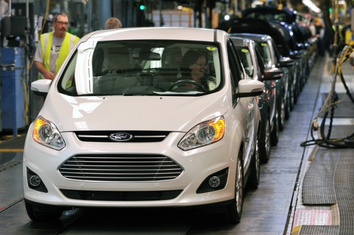 Ford Posts Hybrid Vehicle Sales Record