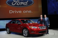 2010 Ford Taurus Unveiled at 2009 NAIAS
