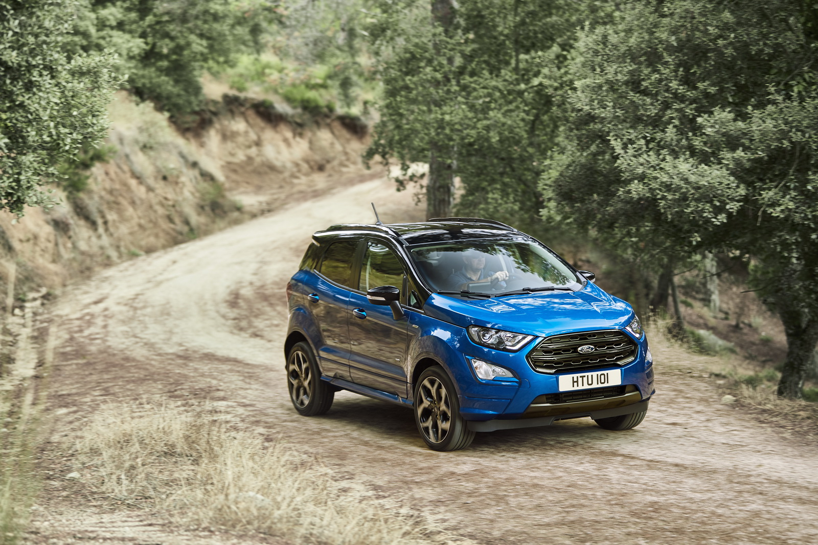Ford reveals new Ecosport with all-wheel-drive