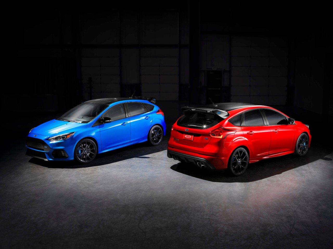ford prepares to send off focus rs with limited edition. Black Bedroom Furniture Sets. Home Design Ideas