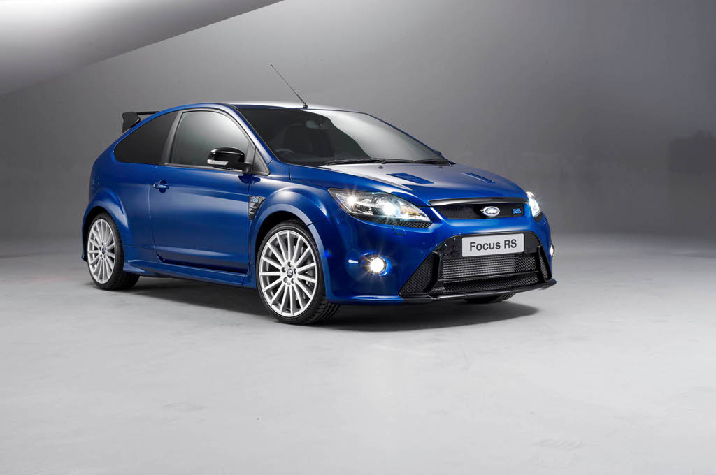 ford supplies focus rs for students 39 team competing at. Black Bedroom Furniture Sets. Home Design Ideas