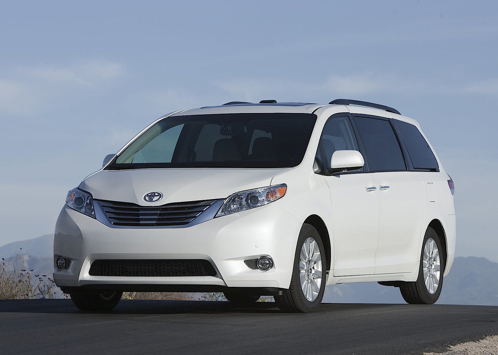 Four Toyota Models Get Named Top Rated Vehicles By Edmunds 2000 Camry Fuel Filter Location Sienna