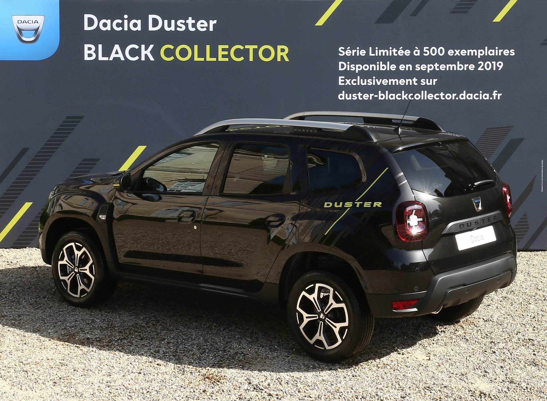 France Only Dacia Duster Black Collector Edition Limited To 500 Units Autoevolution