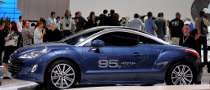 Frankfurt Auto Show: Peugeot iOn and RCZ HYbrid4 [Live Photos]