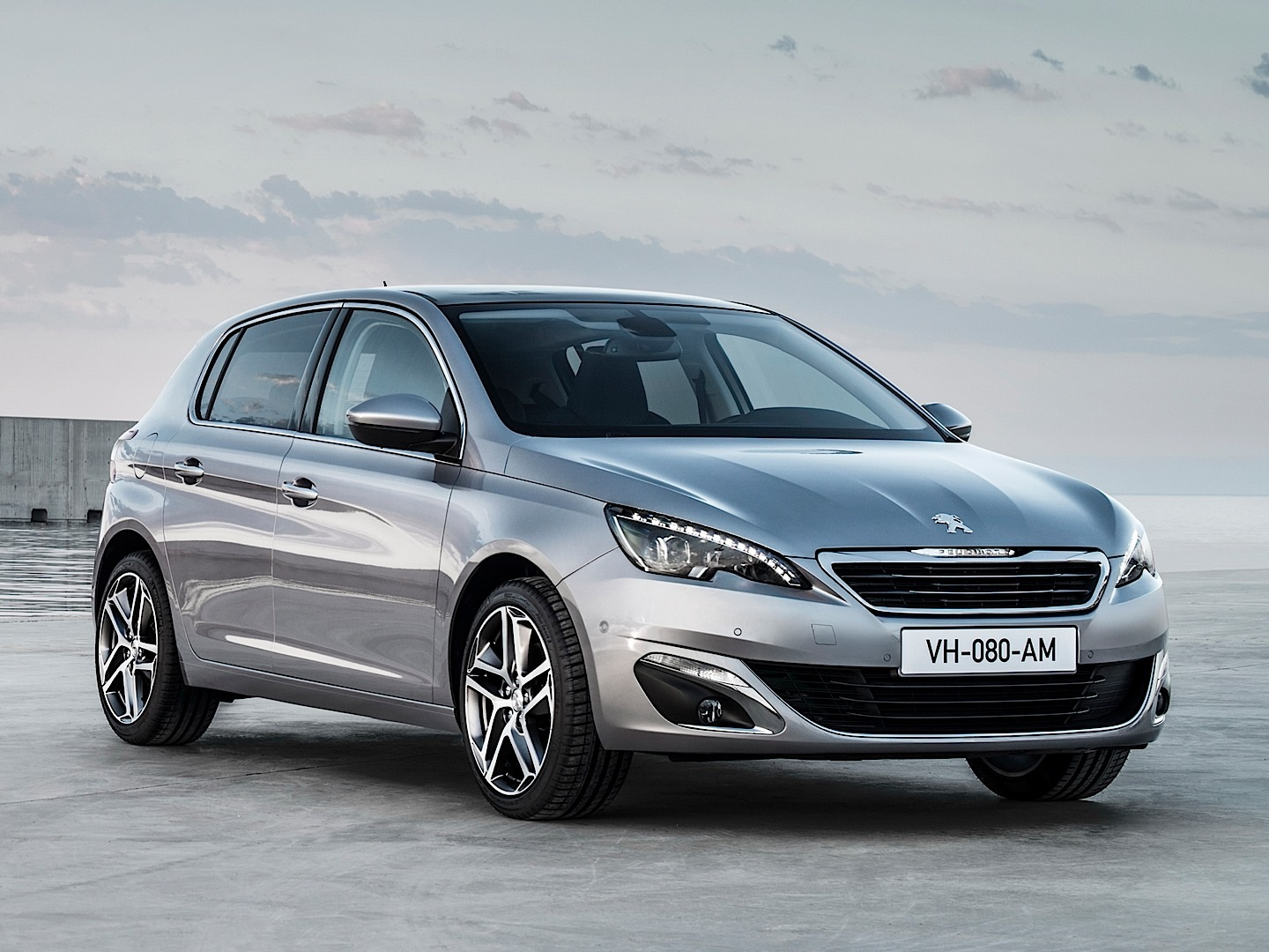 Fresh 2014 Peugeot 308 Photos Leaked Shed New Light On