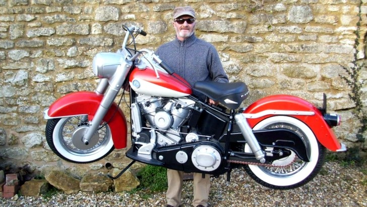 Motorcycle Engine Kits : Full size plastic realistic looks motorcycles are awesome