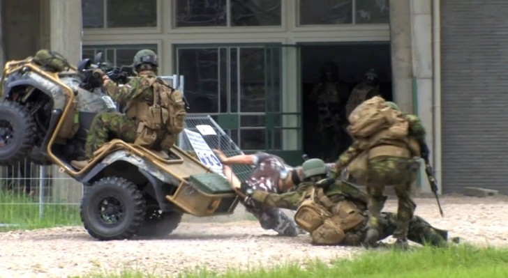Funny and Embarrassing ATV Fail for Dutch Soldiers ...