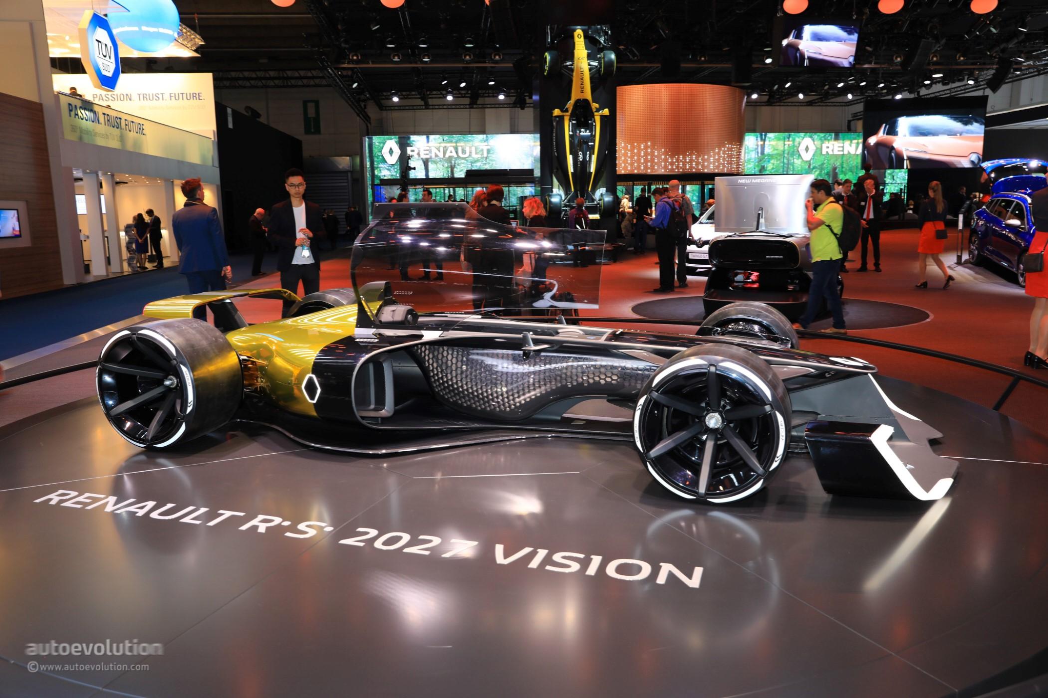 Futuristic Formula 1 Concept Poses Next To 2018 Renault