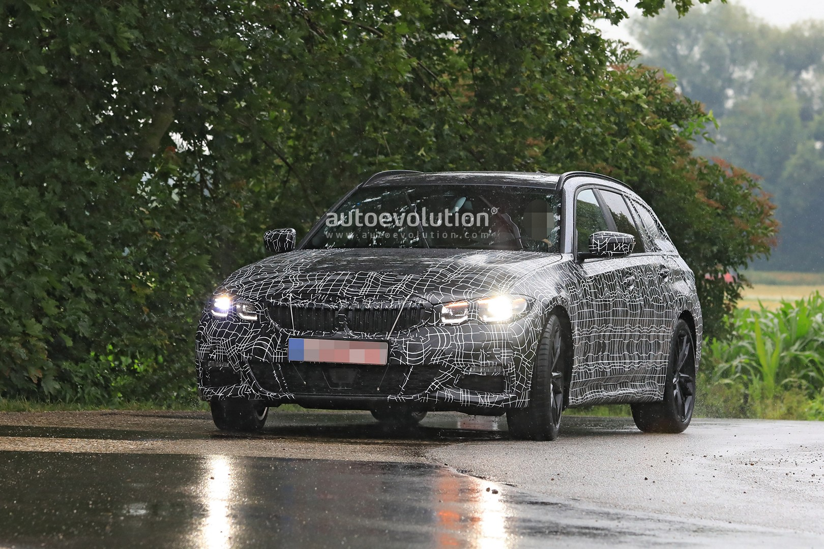 G21 Bmw 3 Series Wagon Spied In Detail With M Sport Body Autoevolution