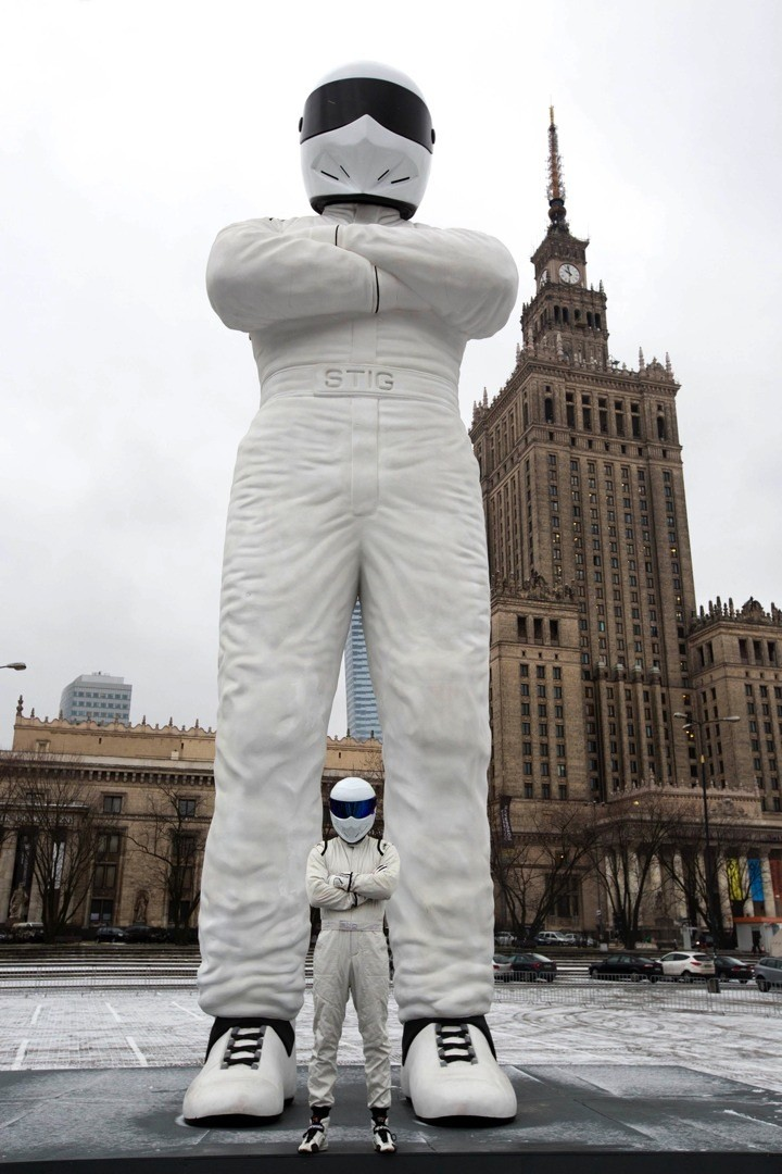 10 Meter Stig Statue Reaches Warsaw After 3 Day Journey Through Europe Autoevolution