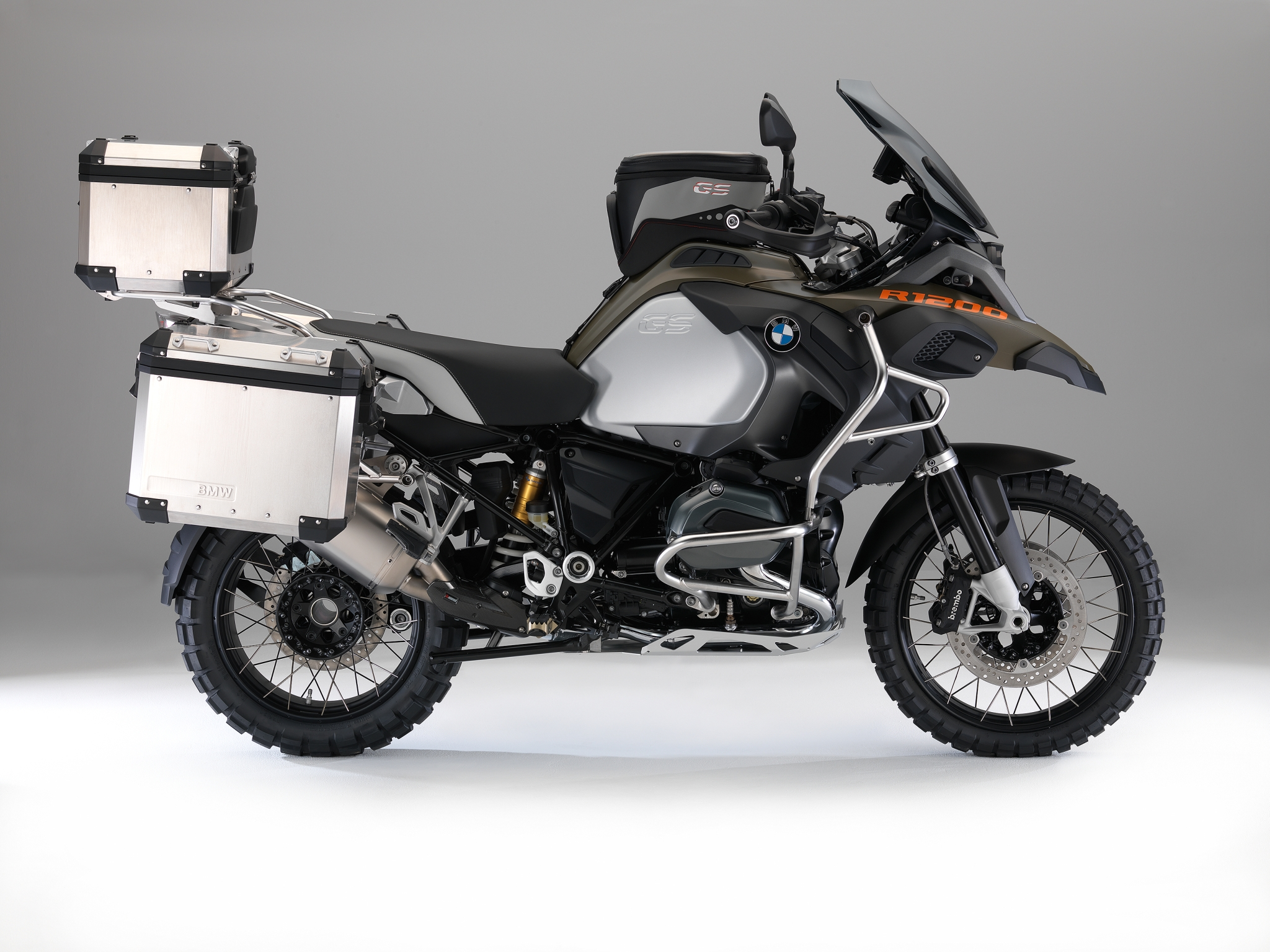 100 pictures of the 2014 bmw r1200gs adventure autoevolution. Black Bedroom Furniture Sets. Home Design Ideas