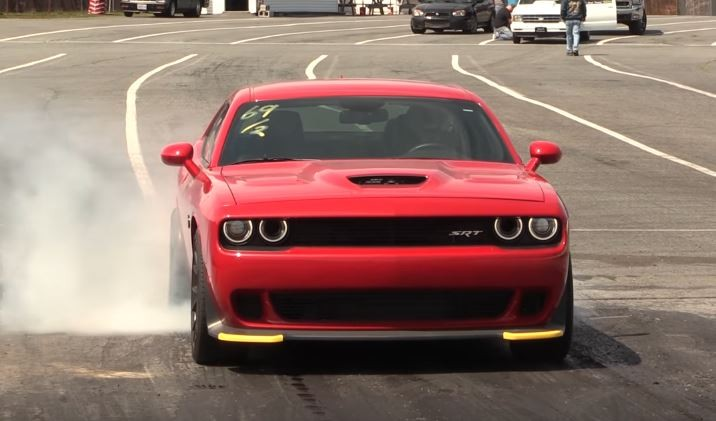 1 000 Hp Challenger Hellcat With 4 5l Whipple Supercharger Pulls 9s