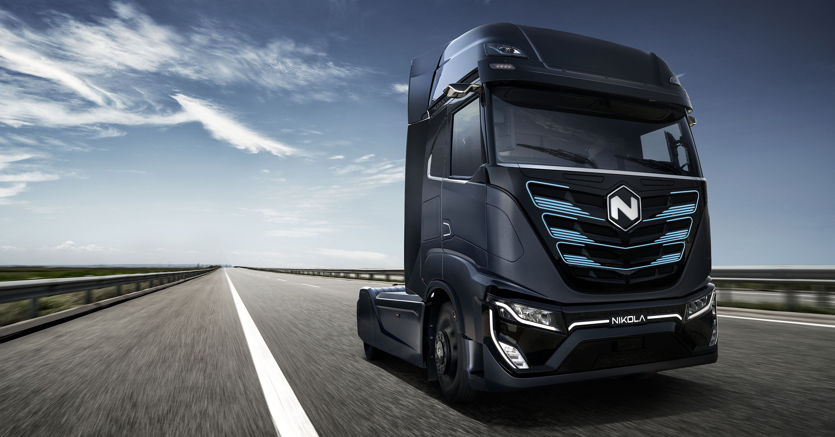 [Inclassable] Le topic des camions - Page 7 1000-hp-nikola-electric-trucks-to-move-trash-around-the-us-from-2023_1