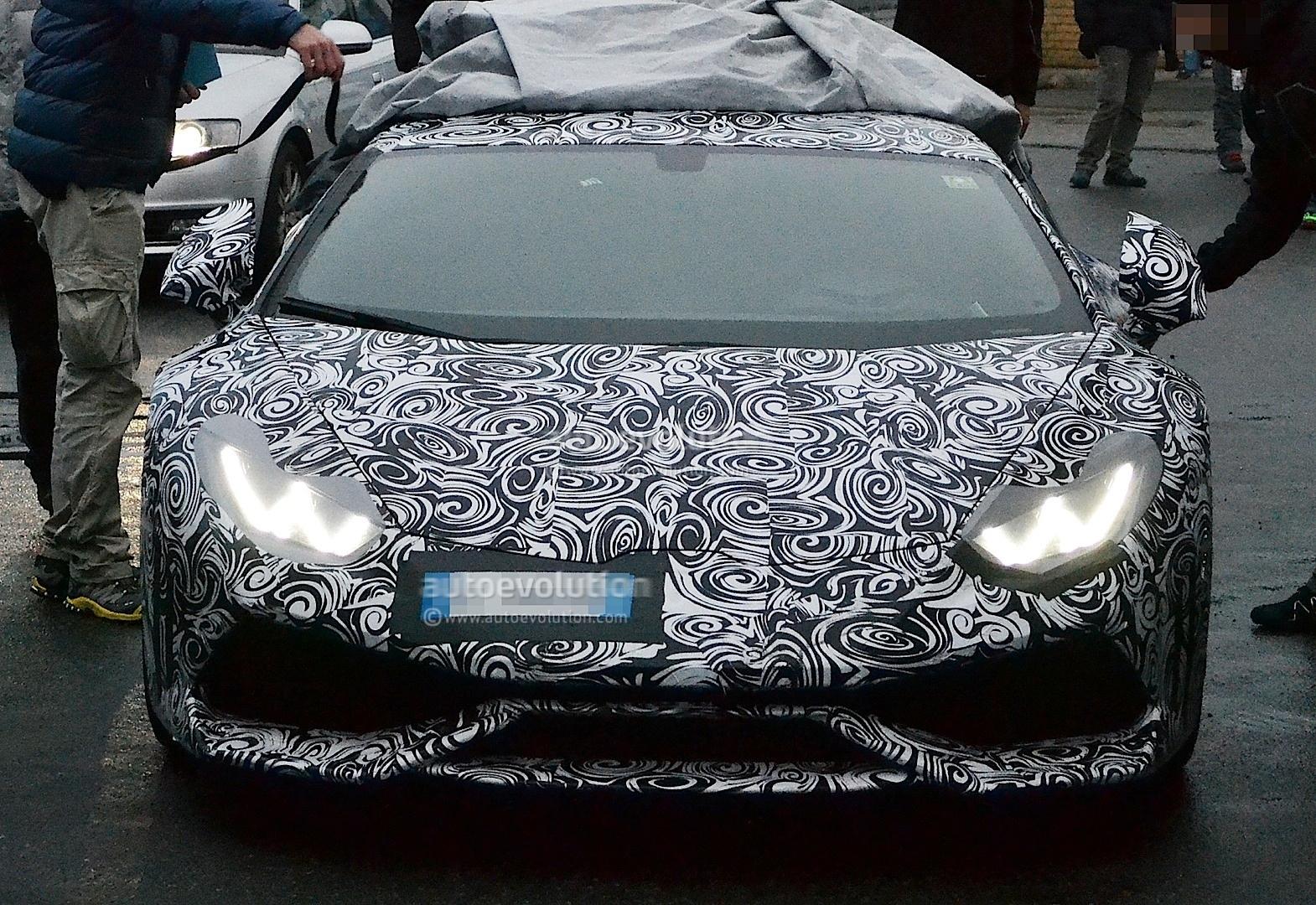 2013 - [Lamborghini] Huracán LP610-4  - Page 4 Lamborghini-cabrera-shows-retro-wheels-in-latest-spyshots-1080p-3