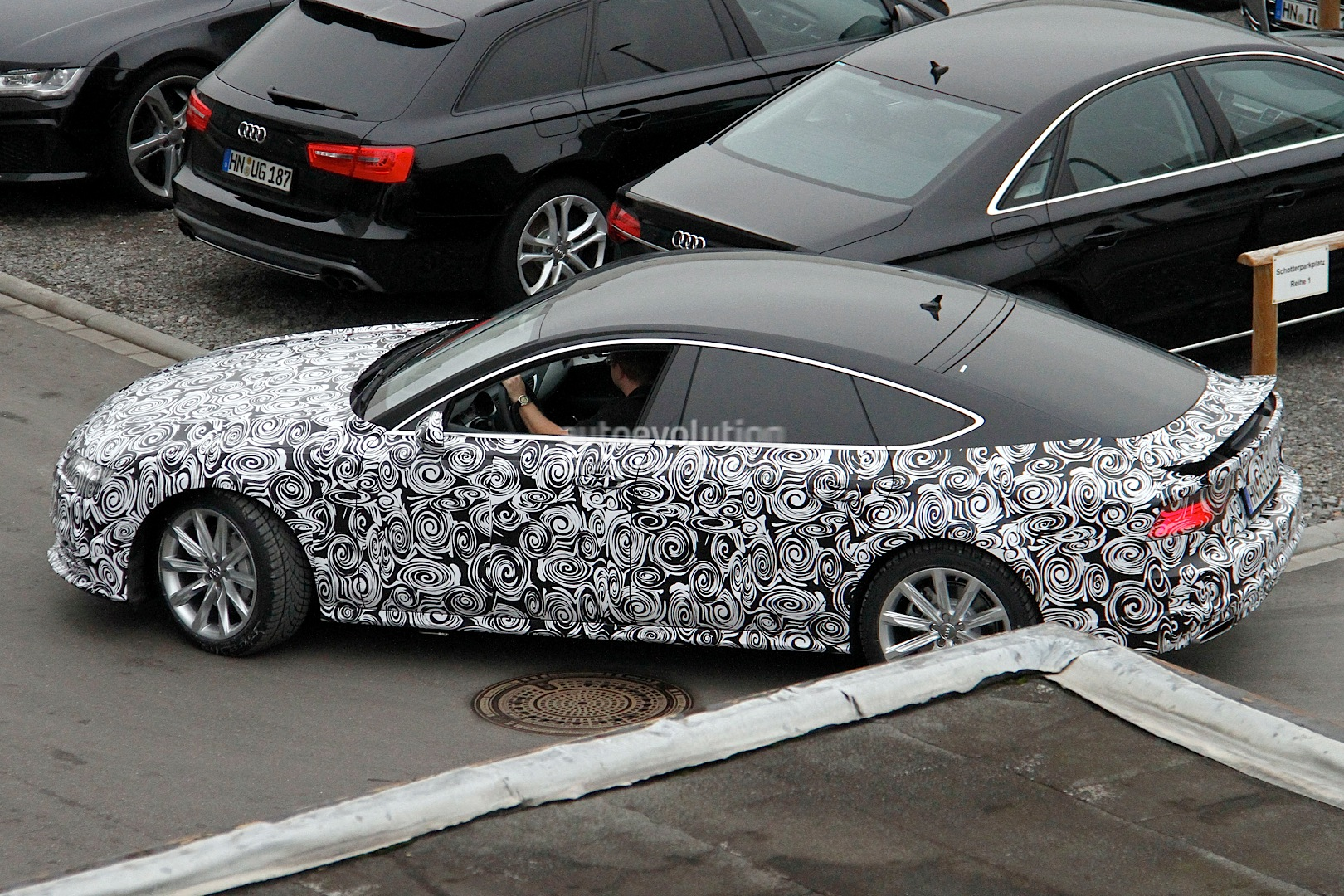 2014 - [Audi] A7 & S7 Sportback Restylée Spyshots-audi-a7-facelift-gets-new-headlight-design-1080p-3