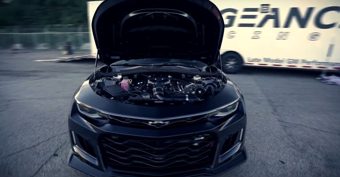 1,100 HP Chevrolet Camaro ZL1 Sets 1/4-Mile World Record