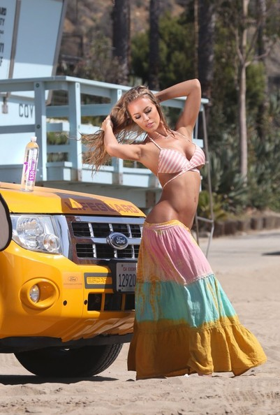 Water Photo Shoot Brings Forth A Bright Yellow Ford Escape on 2014 Ford Escape