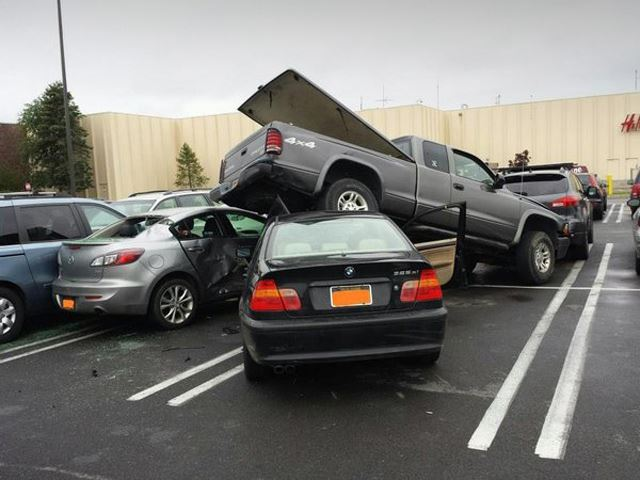 15 Year Old Bmw Driver Trashes 5 Cars In Mall Parking Lot