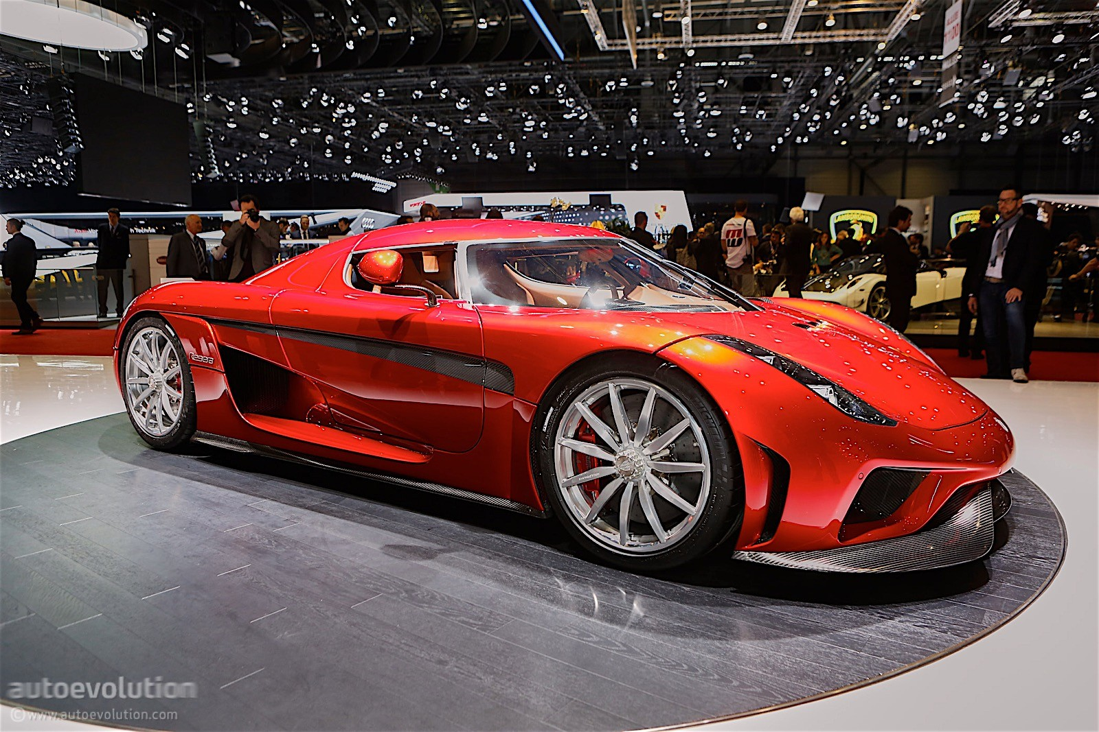 1 500 hp koenigsegg regera burnout no gearbox autoevolution. Black Bedroom Furniture Sets. Home Design Ideas