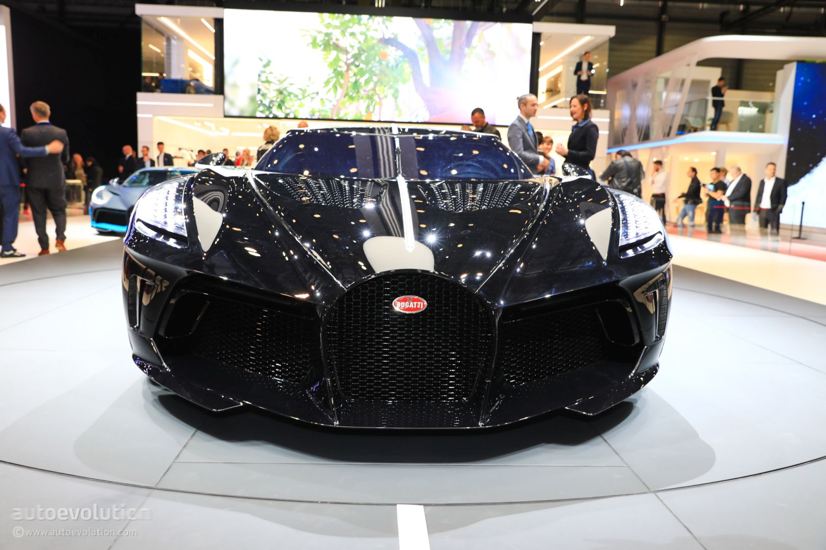 UPDATE: $19M Bugatti La Voiture Noire Geneva Car Is a ...
