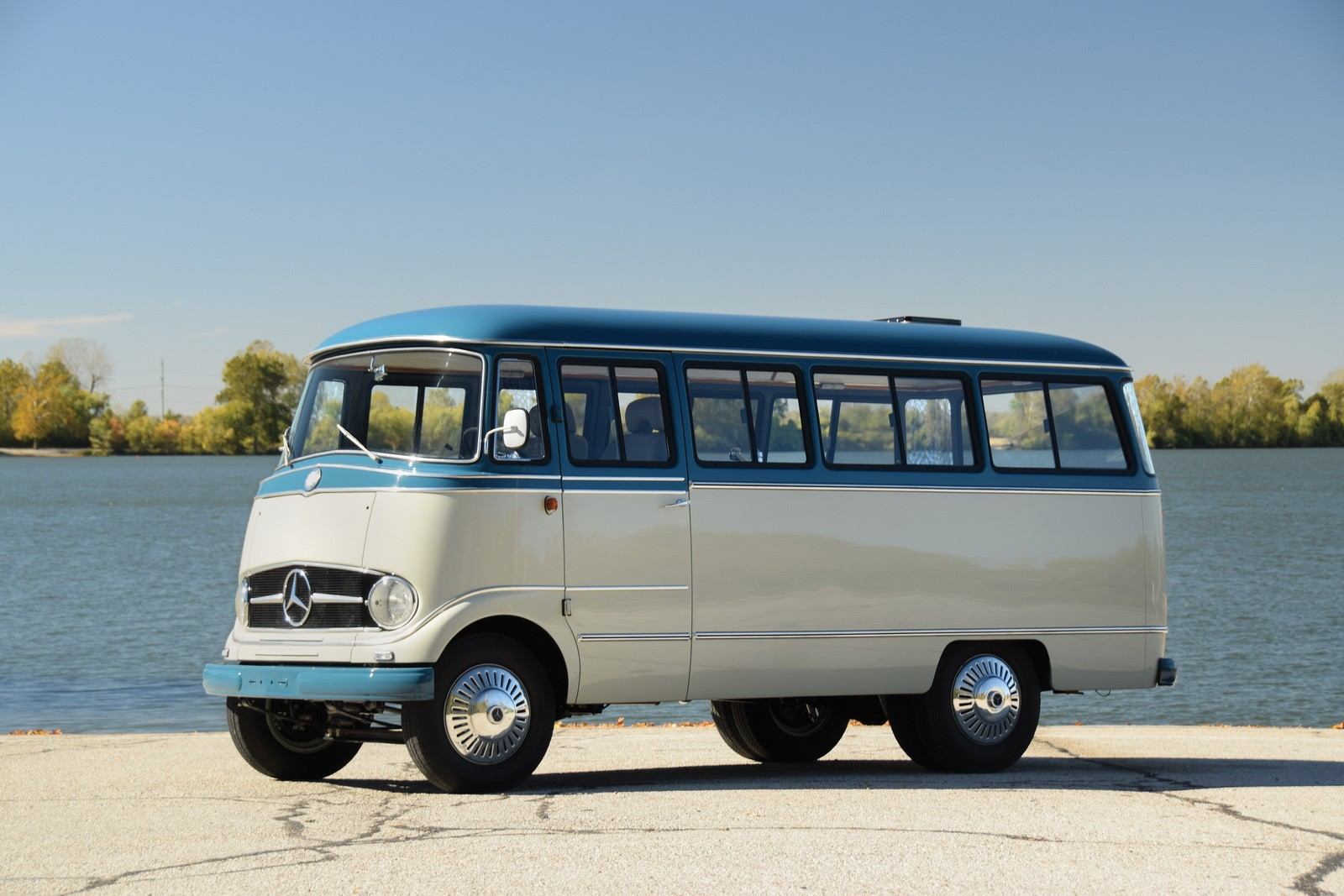 Guardians of the galaxy s chris pratt used to live in this for Mercedes benz camper