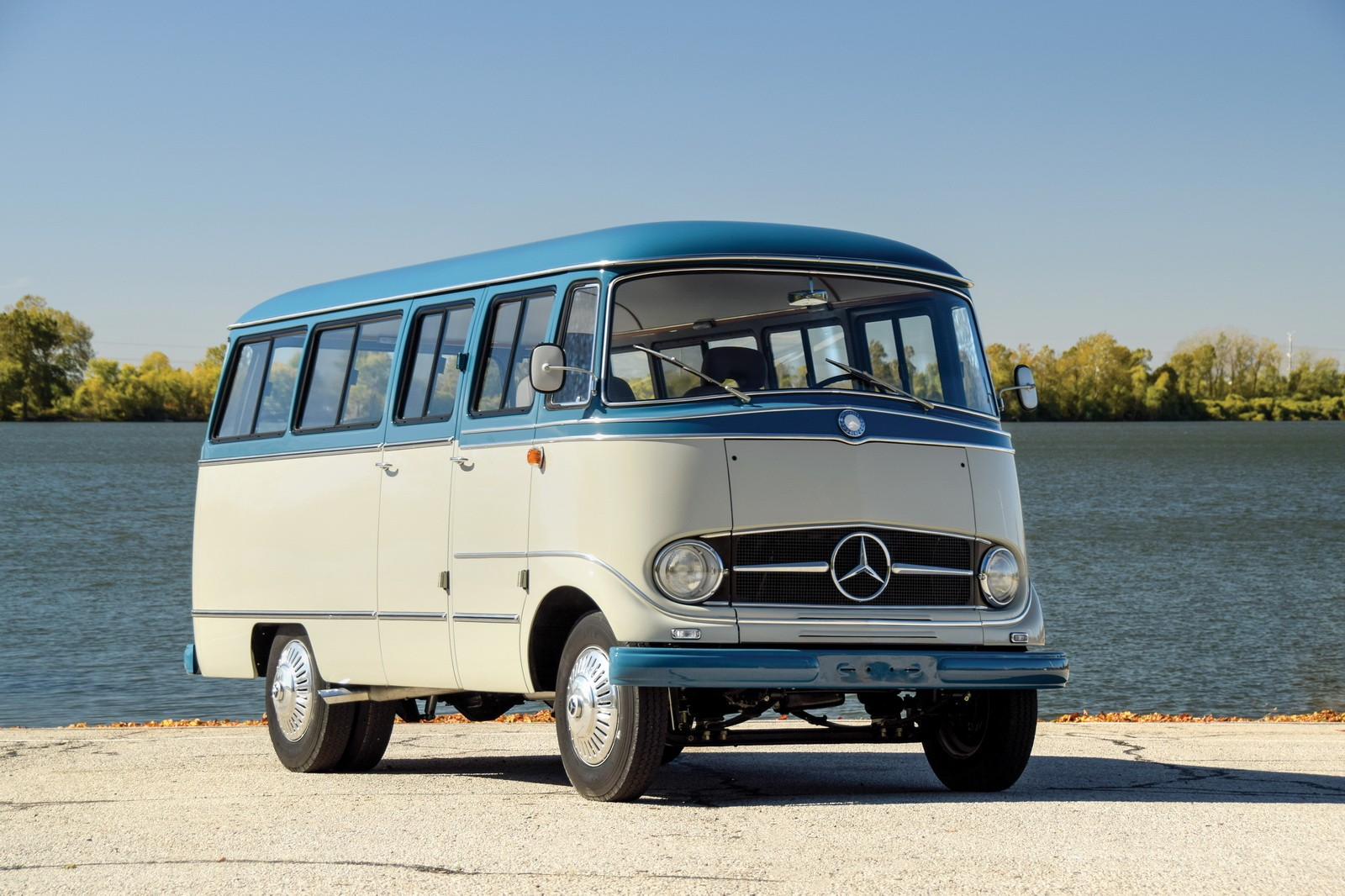 1959 mercedes benz o 319 camper van is not your average. Black Bedroom Furniture Sets. Home Design Ideas