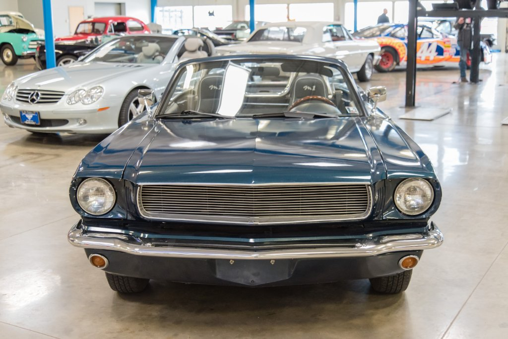 1965 Ford Mustang Replica Built on 1997 Mazda Miata Looks