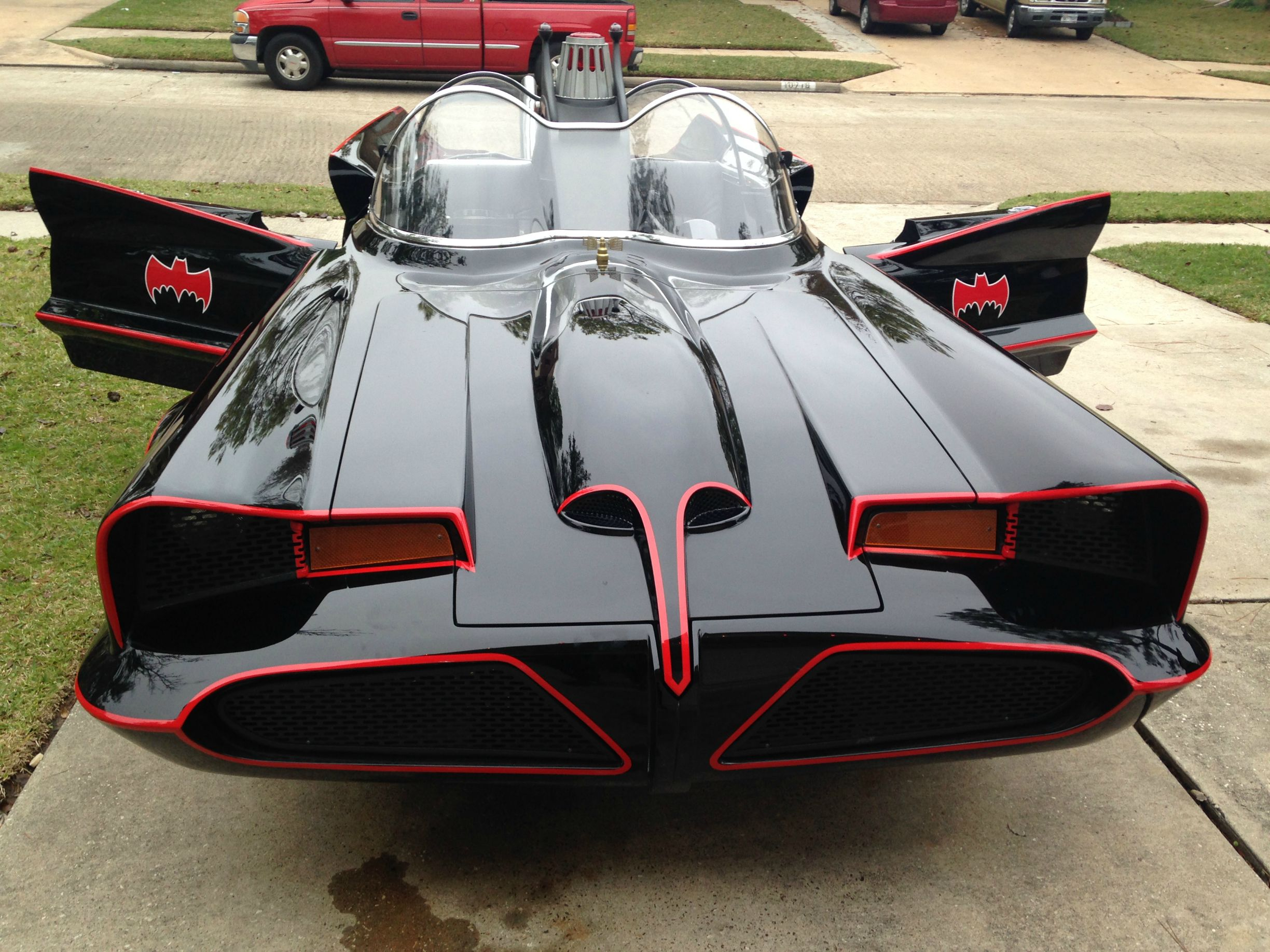 Porsche Usa Build >> 1966 Batmobile Replica Took 9 Years to Build, Texan Batman ...