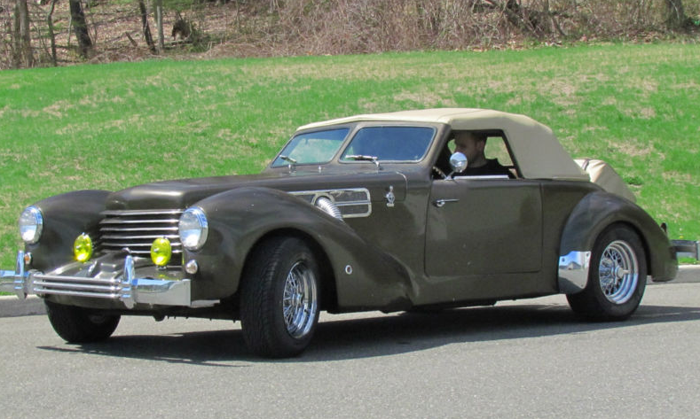 1969 Ford Mustang Becomes... 1937 Cord 812 - autoevolution