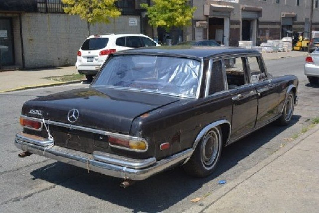 1969 Mercedes-Benz 600 Begs To Get Restored, You Can Buy It For ...