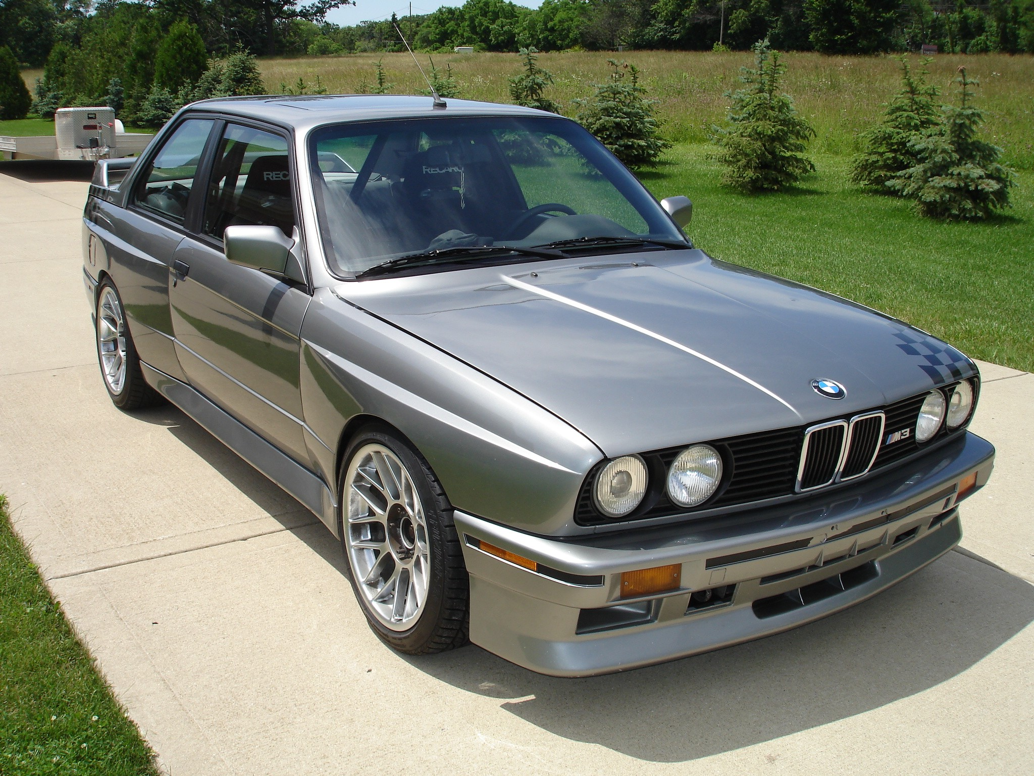 1988 bmw e30 m3 with inline 6 cylinder s52 engine up for grabs in chicago autoevolution. Black Bedroom Furniture Sets. Home Design Ideas