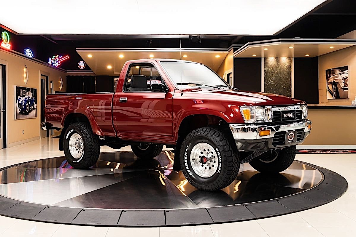 1991 Toyota Pickup Is An All Original Japanese 4x4 Costs More Than A New Tundra Autoevolution