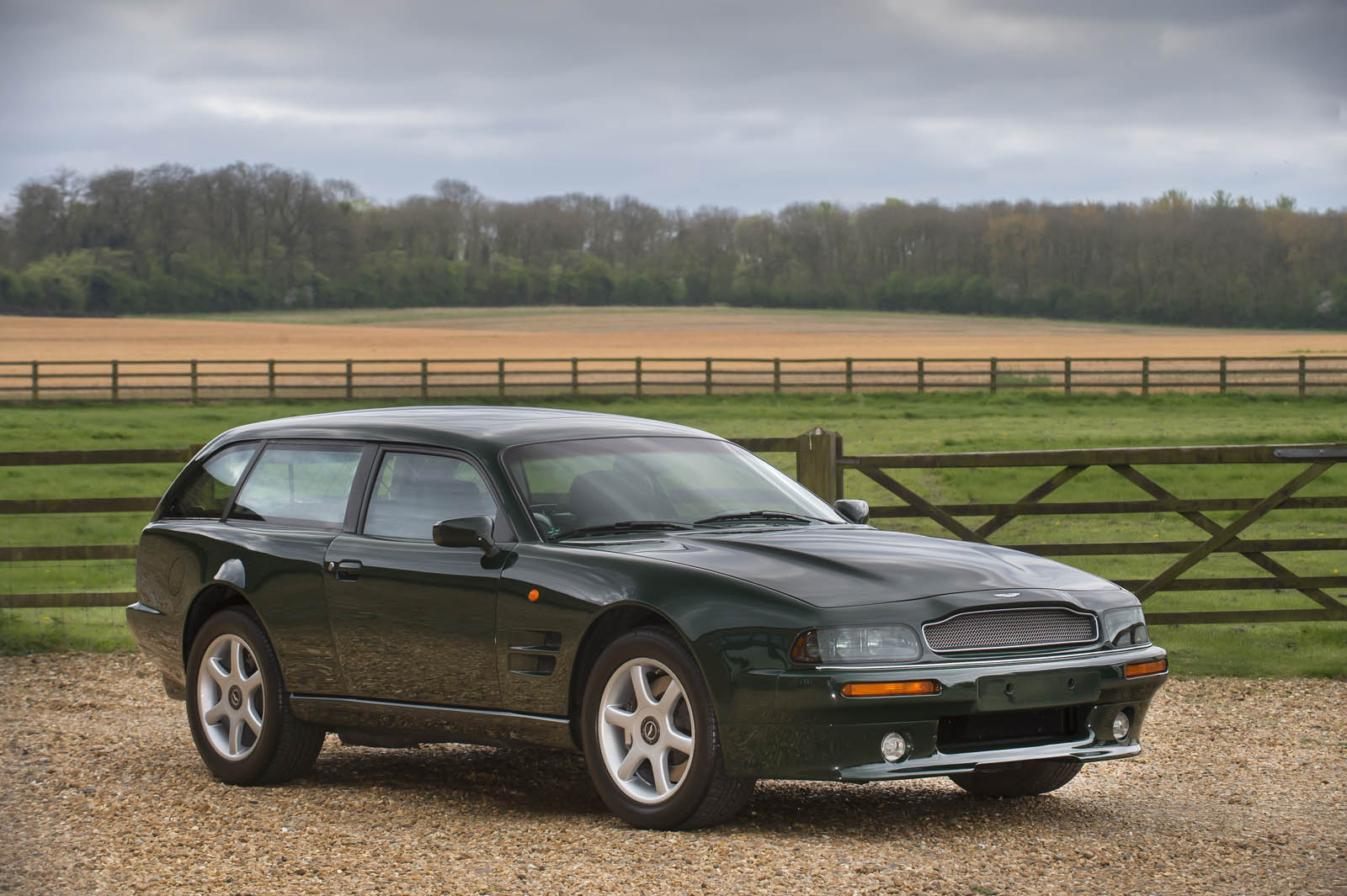 The Aston Martin V8 Sportsman Estate Is Not Your Typical Wagon Autoevolution