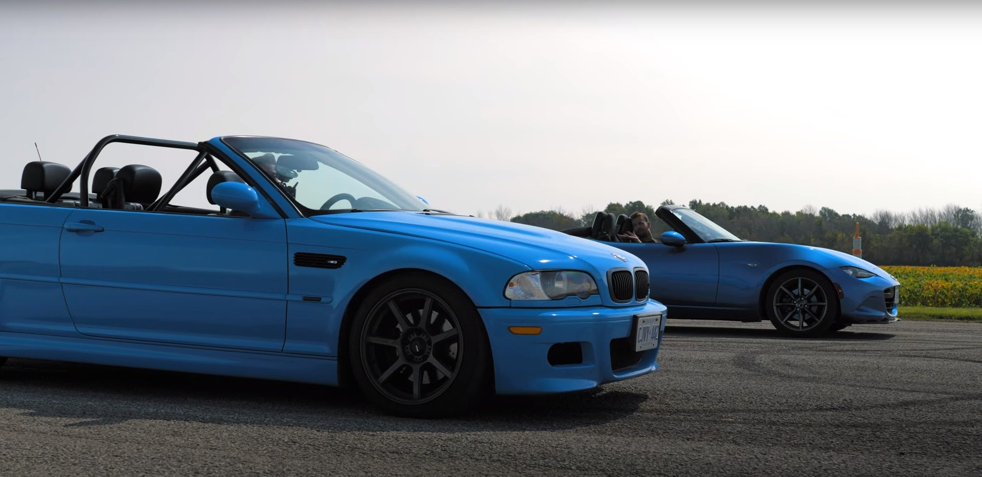 2001 Bmw E46 M3 Vs 2016 Mazda Mx 5 Drag Race Is Just A Bit Of Fun With Cars Autoevolution
