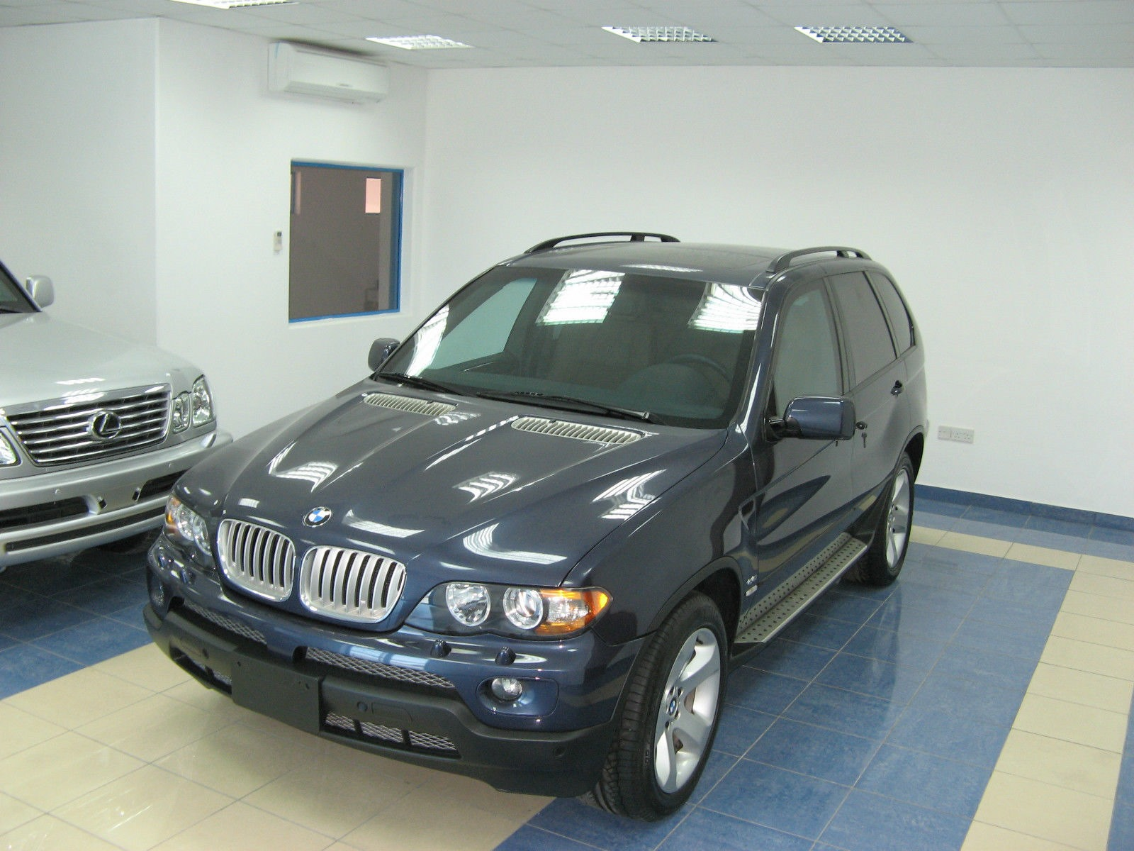 2004 bmw x5 up for sale for 110 000 autoevolution. Black Bedroom Furniture Sets. Home Design Ideas