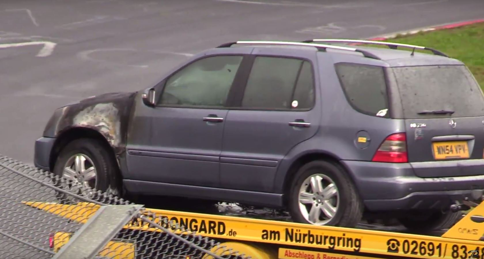 2004 Mercedes Ml 270 Diesel Burns On The Nurburgring