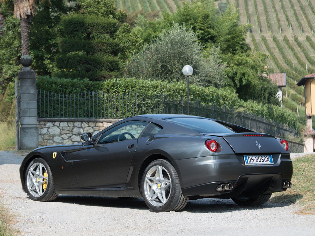 manual ferrari 599 gtb fiorano heading to auction. Black Bedroom Furniture Sets. Home Design Ideas