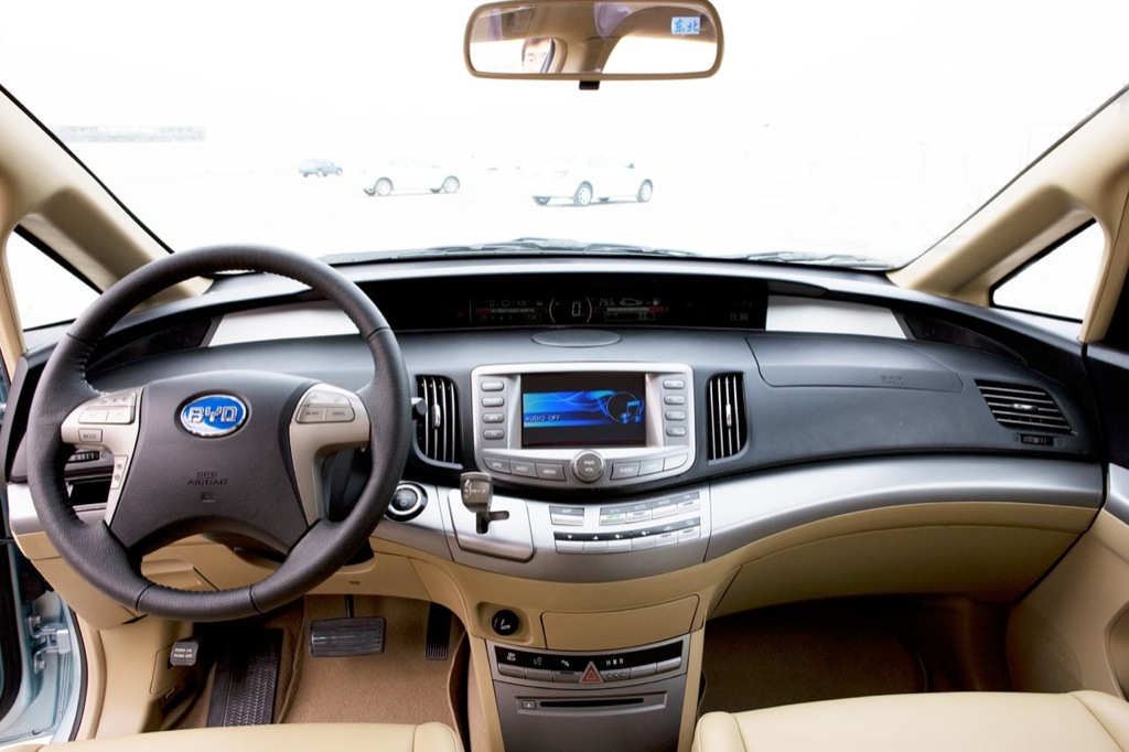 2009 BYD e6, World\'s First Production Pure Electric Vehicle ...