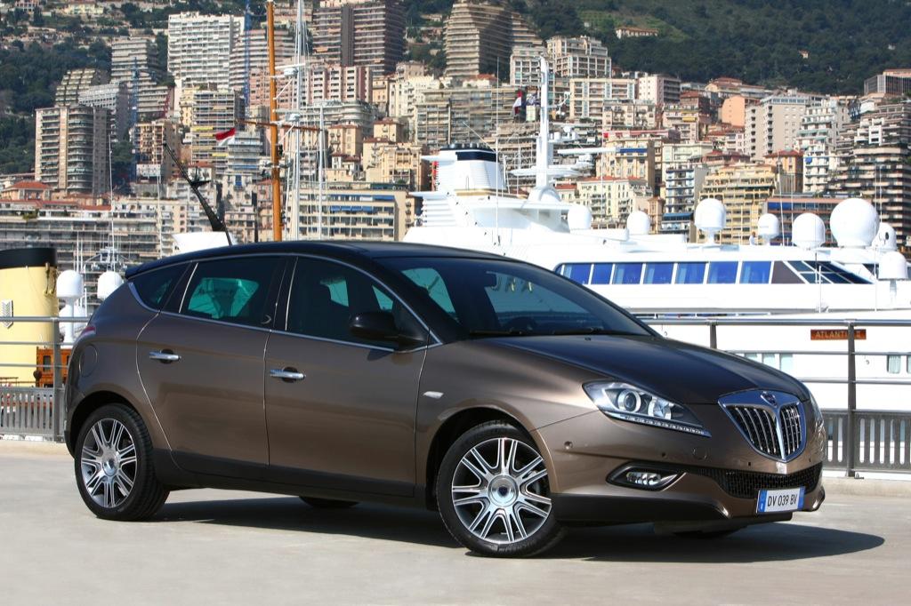 https://s1.cdn.autoevolution.com/images/news/gallery/2009-lancia-delta-di-turbo-jet-the-anticrisis-luxury-car_8.jpg