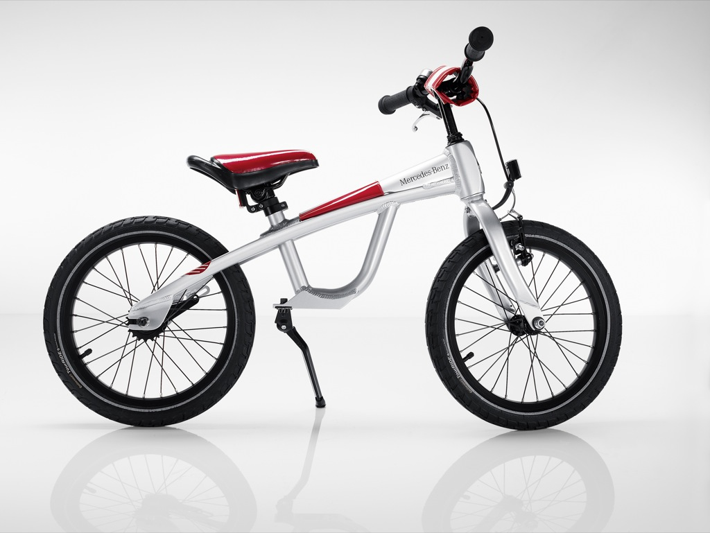 2009 2010 bike sports selection from mercedes benz for Mercedes benz folding bike