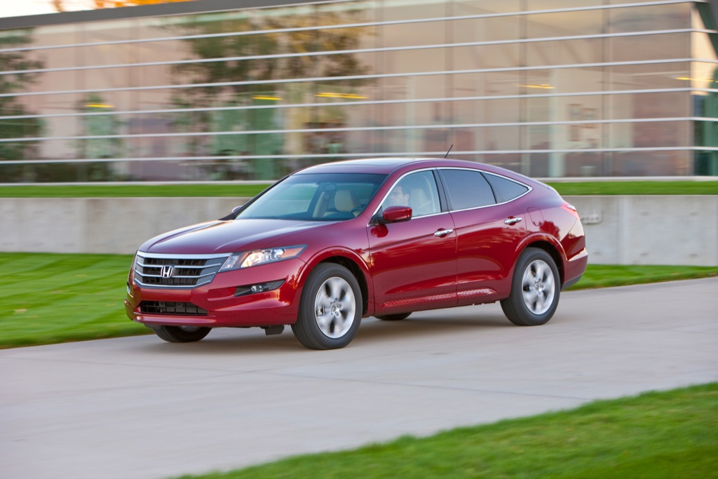 2010 honda accord crosstour details and pricing released. Black Bedroom Furniture Sets. Home Design Ideas