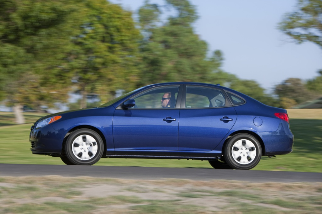 2010 hyundai elantra pricing released autoevolution. Black Bedroom Furniture Sets. Home Design Ideas