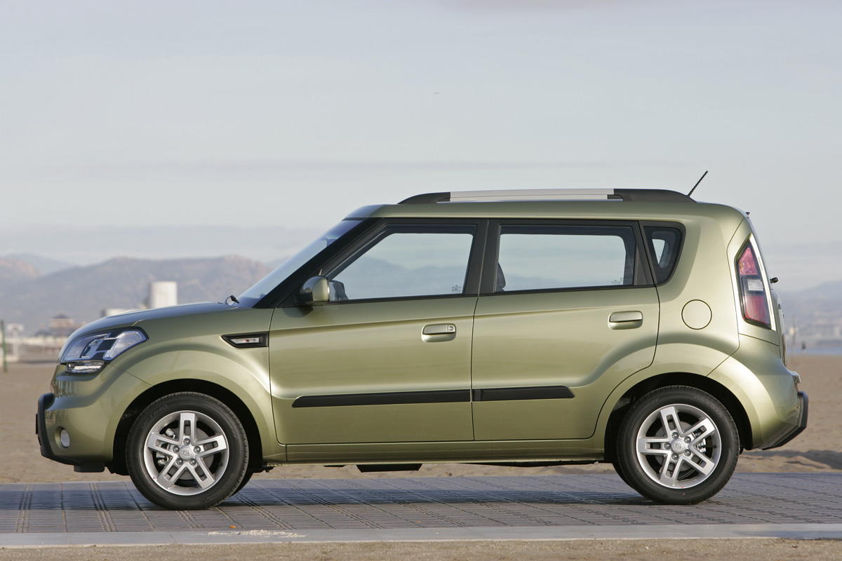 2010 kia soul awarded iihs top safety pick autoevolution. Black Bedroom Furniture Sets. Home Design Ideas